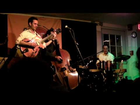 "Julian Lage Group - ""Lil' Darlin"" Feat. Jorge Roeder, Tupac Mantilla"