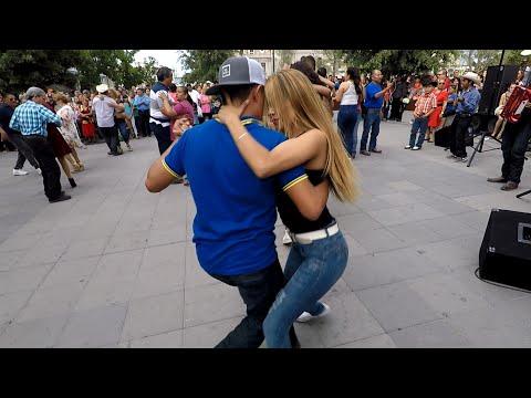 🎹Enpezamos el baile con🎶 la de Chihuahua🎵 y pedrito al acordeon🎹