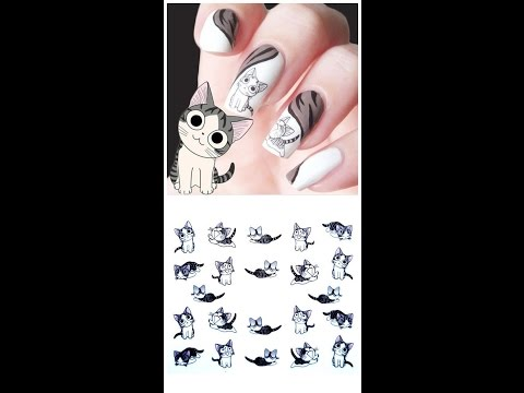 На ногтях черная кошка