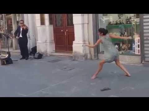 Amaizing Ballerina Dancing on the Street