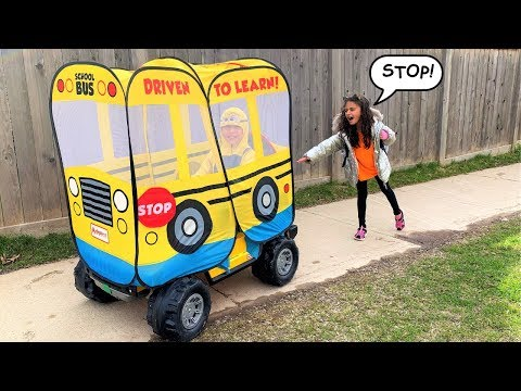 Heidi Missed her School bus to go to School Pretend Play