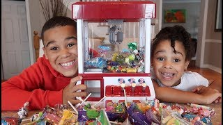 Arcade Candy Claw Machine Game | FamousTubeKIDS