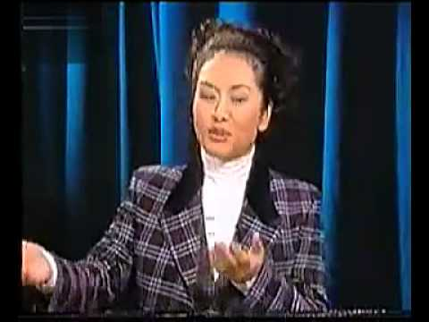 Peng Liyuan 彭丽媛 most beautiful China's  First Lady ever interviewed on TV talk show