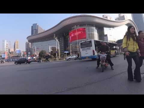The most challenging road in Wuhan - Following the Xiongchu Avenue and driving around Nanhu
