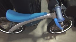 BMW Kidsbike Blue Exterior and Interior in 3D(BMW Kids Bike Blue seen in 3D. It can be with or without pedals. For kids between 2.5 years and (without pedals) and 6 years with pedals. Weight 6 kg without ..., 2016-08-28T15:57:17.000Z)