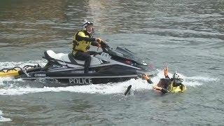 隅田川でテロ対処訓練 橋爆破、水上バイクで救助
