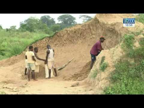 Sierra Leone: religioso trova diamante di oltre 700 carati e lo dona al governo per aiutare i poveri