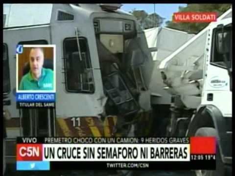 C5N - Transito: El premetro choco a un camion en Villa Soldati (Parte 4)