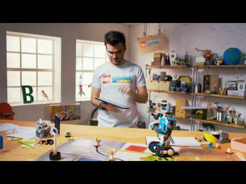 LEGO BOOST Creative Toolbox 17101 | Toys R Us Canada