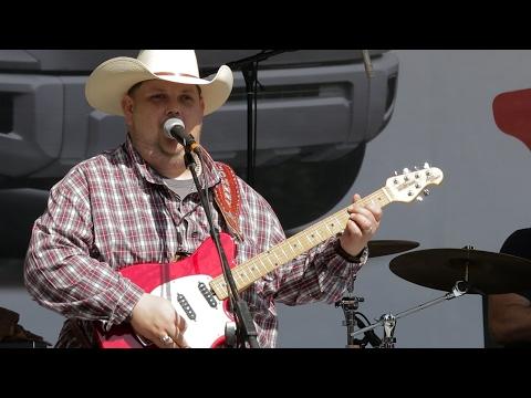 Bluesberry Jam - Johnny Hiland at the 2016 Dallas International Guitar Show