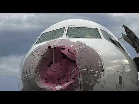 Damage plane are landing. Ukrainian pilots are heroes