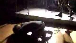 脳挫傷ライブ時の映像。 このライブ終了後ユウは同じメンバーのフェイフォンのブレーンバスターを喰らい、そのまま救急車に運ばれ、緊急入院...