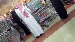 خروف يحاسب لبنت في أسواق التميمي بالرياض