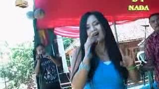 Download lagu Mimin Denok Melanggar Hukum MP3