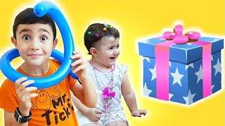 Super Celina and Hasouna play toys| سوبر سيلينا وحسونة العاب ومفاجئة للاطفال