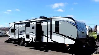 New Light 35' 2017 XLR Hyperlite 30HDS Toy Hauler 1-Slides 7,669lbs!!