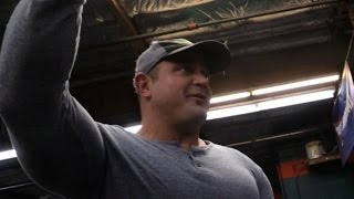 Whats on the Bar!?! ( Straining against Big Weight w/ Mark Bell)