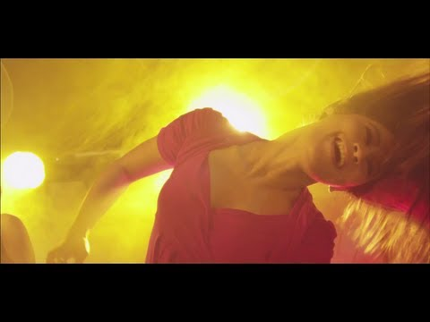 Hiphop Tamizha - Club le Mabbu le (Official Music Video)
