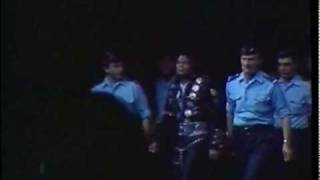 "Brace Yourself - Michael Jackson "" Dangerous World Tour Intro """