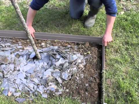 Bordalu la pose de bordure aluminium pour le jardin youtube for Bordure en bois de jardin