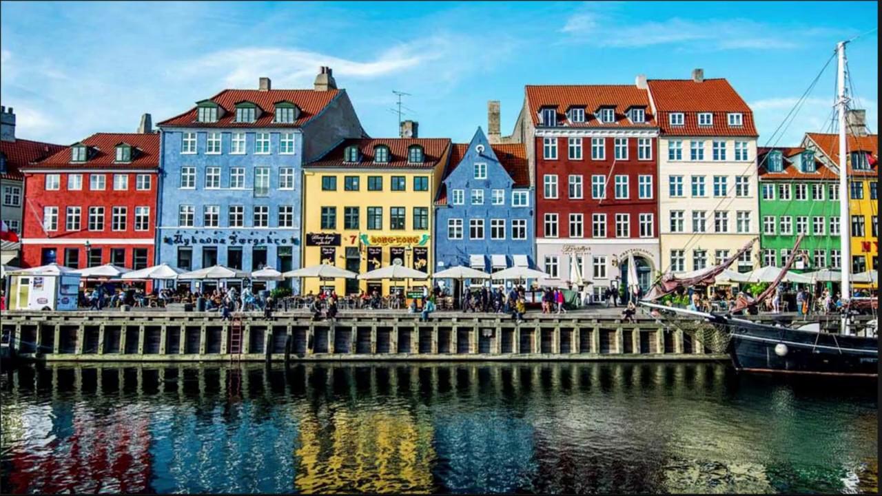 Nyhavn, Copenhagen in 45 seconds