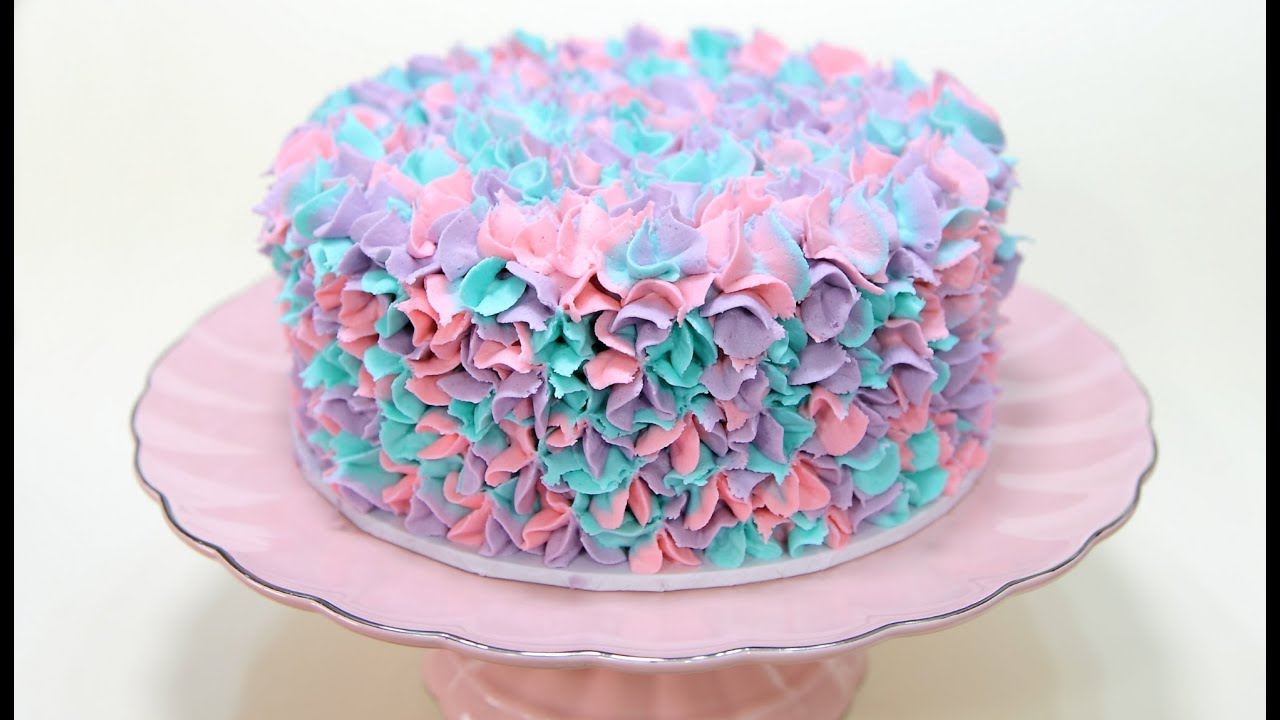 Watch This Easy Buttercream Piping With Three Colors