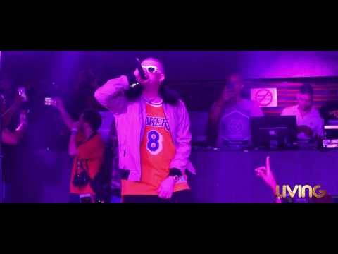 Diles -  Bad Bunny En Vivo