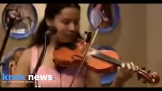 "Carolina Chocolate Drops performing ""Hit"