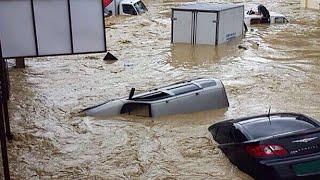 Потопы по второй этаж, целые города уходят под воду. Тропические ливни в России