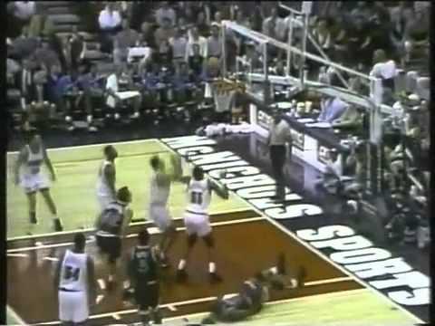 Shaq crazy circus shot on Dikembie 1993-94 NBA [RARE]