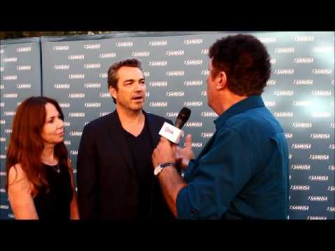 Utalks  with Jon Tenney and Leslie Urdang at The 2016 Voice Awards
