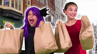 MALICE GETS A MAKEOVER 💃 Princess Clothes Shopping Trip! - Princesses In Real Life | Kiddyzuzaa