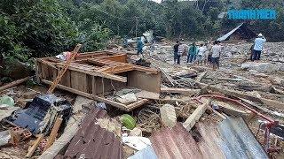 Hàng chục người dân thoát chết trong vụ sạt lở núi vùi lấp 10 ngôi nhà