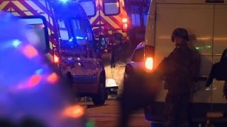 Raw: Police Near Paris Hostage Scene