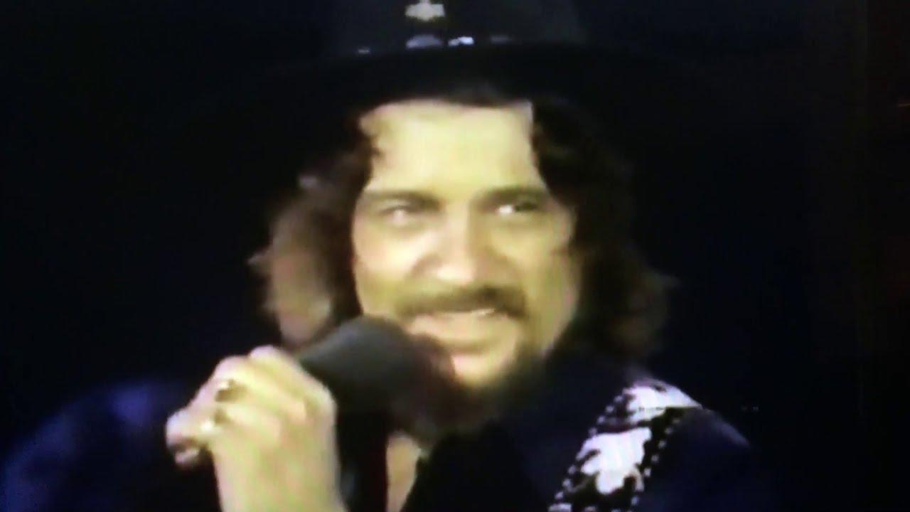 Download Waylon Jennings ~ Ain't Living Long Like This