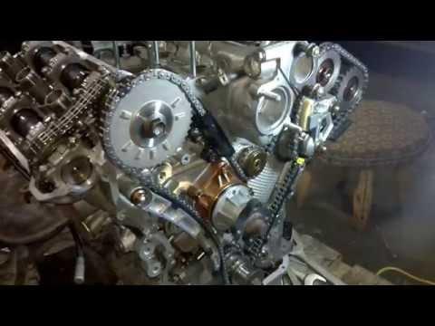 Фото к видео: Как выставить метки грм на SUZUKI Grand Vitara 2006