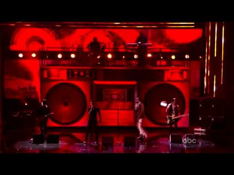 American Music Awards 2011 - Gym Class Heroes Ft. Adam Levine - Stereo Hearts