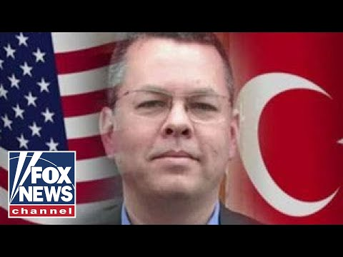 Court delays trial of American minister detained in Turkey