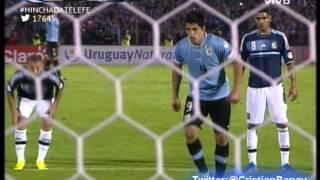 Uruguay 3 Argentina 2 (Relato Sebastian Vignolo) Eliminatorias Brasil 2014 Los goles (15/10/2013)