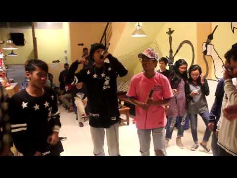 Live Performance Wiz Dra'on With Drengky Boyz - WES TAU!!