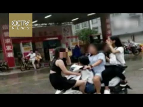 Overload! Five girls ride one motorbike