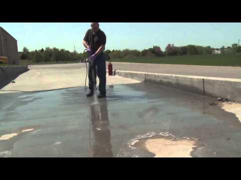 Лучшая замена краски по бетону - это C2ColorHard. Нанесение на шершавую поверхность.