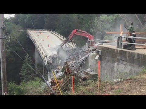 Crews Demolish Pfeiffer Canyon Bridge In Big Sur