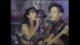 Selena y los Dinos   Como la Flor Carcacha Presentacion Dic 92