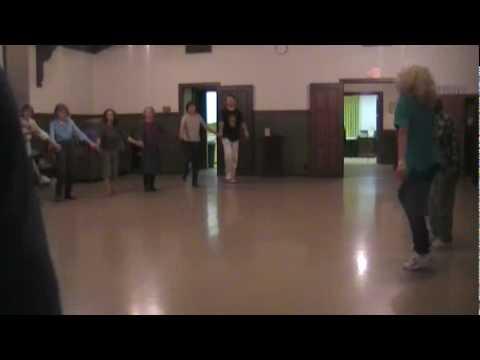 AndradaDaciana - Dansuri Traditionale Romanesti - YouTube