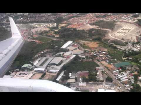 Tegucigalpa, Honduras Toncontin airport landing