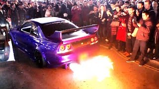 Nissan Skyline GTR entertains crowd with FIRE!