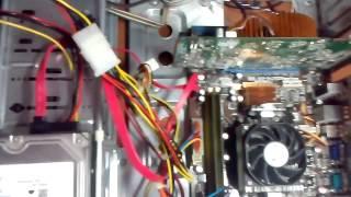 Пищит компьютер и не включается(В этом видео я расскажу вам о том что делать если ваш компьютер пищит и не запускается(чёрный экран)., 2015-08-04T10:21:18.000Z)