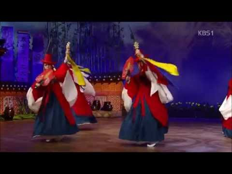 Mudangchum: Traditional Korean Shaman Dance