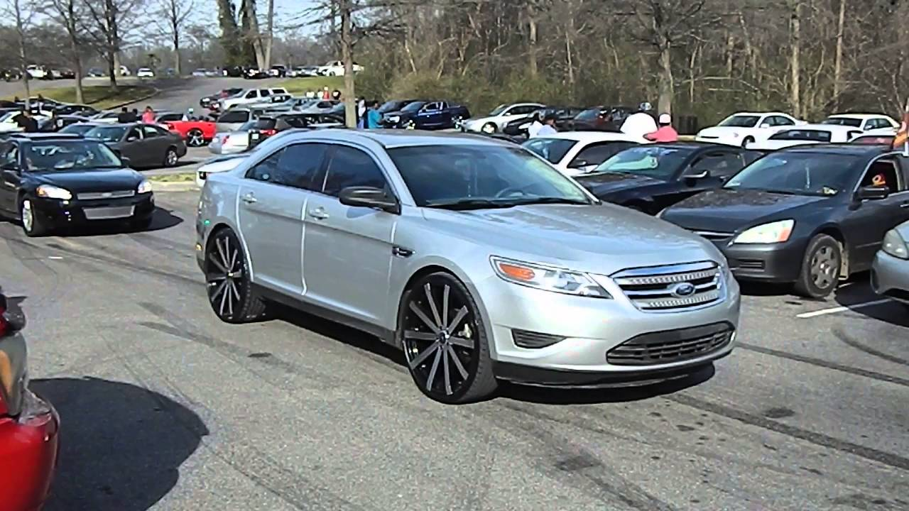 Ford Taurus on Velocity Wheels at Mlk Park - YouTube
